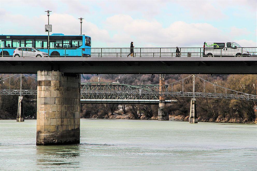 Passaus Brückenlandschaft über dem Inn