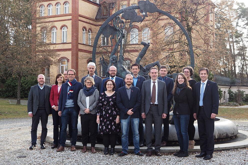 Vertreter der HWK und TRIO in Schwandorf