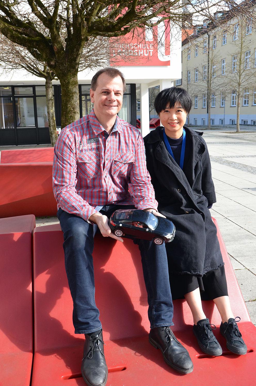 Bild: Projektleiter Prof. Dr. Christian Faber und Doktorandin Hanning Liang